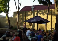 Sunday Session live music in the Courtyard at the Delatite Hotel